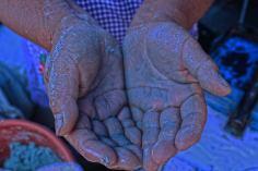 Juana: Originaria de Tlaxcala pero alojada en Puebla desde hace 38 años. Trabaja haciendo quesadillas por necesidad y porque le gusta.